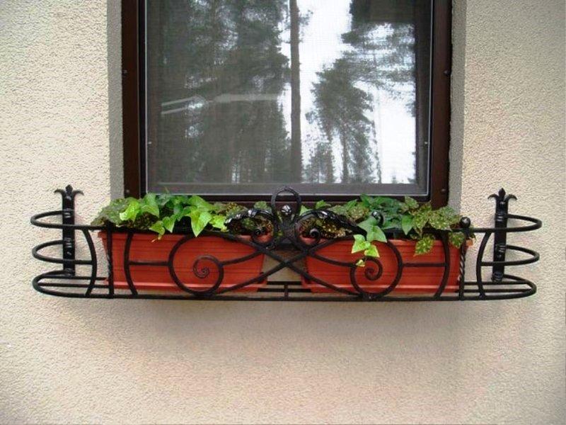 Подставка для цветов под окно